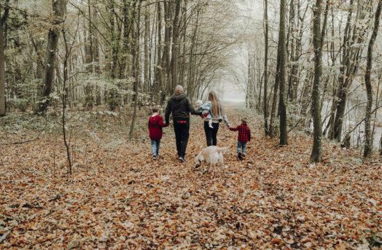 Familienshooting in der Natur im Herbst