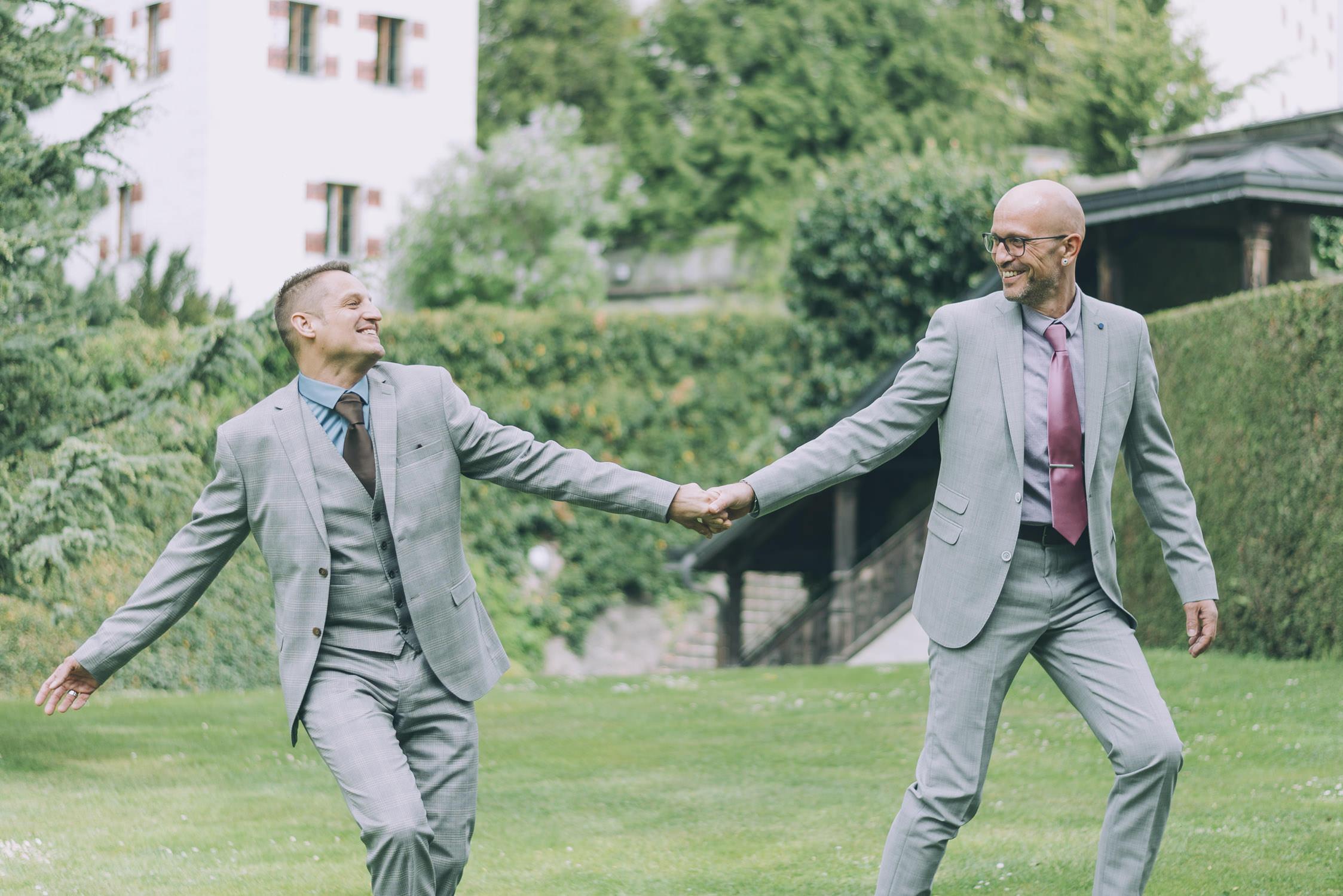 gaywedding, gleichgeschlechtliche Hochzeit, das Ja-Wort von Bräutigam zu Bräutigam, Two Grooms